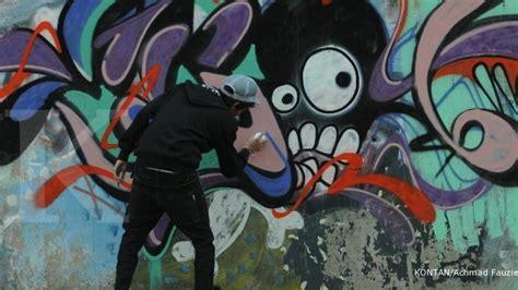 Lu Sorot Warna Warni warna warni potensi lukisan dinding