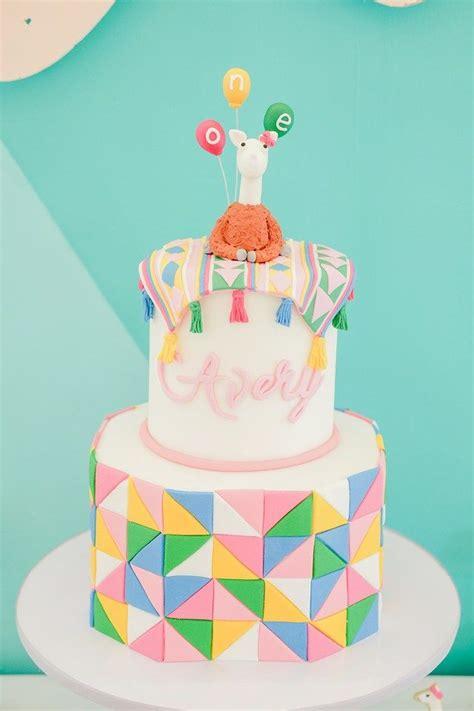 themed birthday cakes manila 10 best llama alpaca cakes images on pinterest recipes