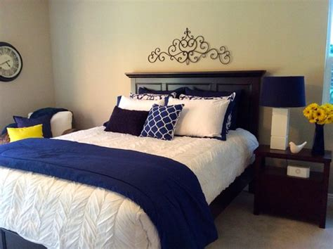 white comforter with blue accents help me decide on this blue white bedroom