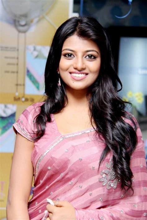 very beautiful heroine photos tamil heroine anandhi looking very beautiful in saree