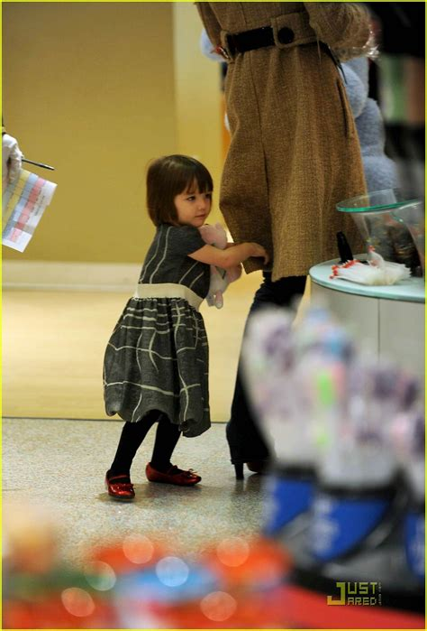 Holmess Shopping Spree For Suri by Suri Cruise Fao Schwarz Shopping Spree Photo 1586461