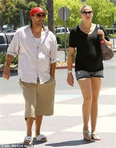 Kevin Federlines Big Announcement by Kevin Federline S Rounded Tummy S Almost As Big As