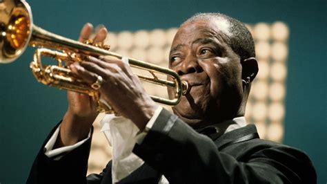 biography of jazz music louis armstrong mini biography biography com