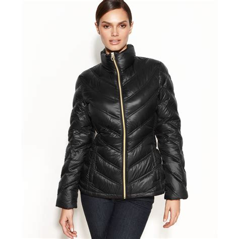 Calvin Klein Chevron Quilted Packable Puffer Coat by Calvin Klein Chevron Quilted Packable Puffer In Black Lyst