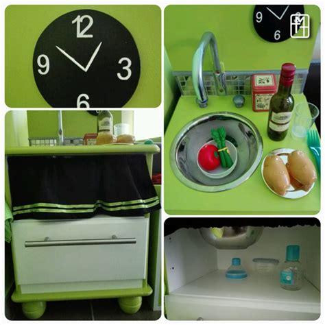 fabriquer cuisine enfant diy fabriquer une cuisine pour enfant avec deux tables