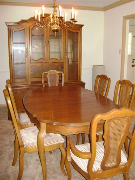 basset french provincial dining room set  dining