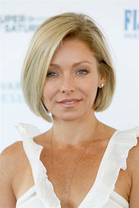 kelly ripa hair kelly ripa bob short hairstyles lookbook stylebistro