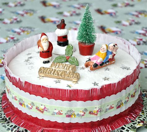 retro christmas cake decorations mouthtoears com