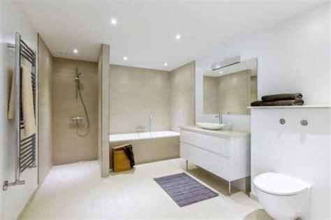 Verriere Interieure 334 by Grote Praktische Badkamer Met Lichte Kleuren Badkamers