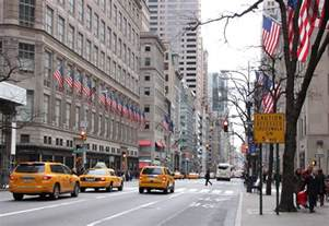 car rental new york city manhattan shopping on fifth avenue newyorkcity uk
