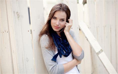 wallpaper blue girl cute girl wearing blue scarf wallpapers cute girl