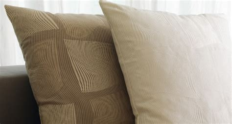 cuscini di design cuscini design per divano easy pence stripe e intrecci