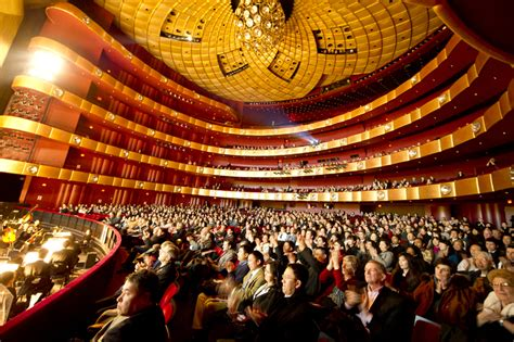 new york audience awe struck by shen yun photos falun