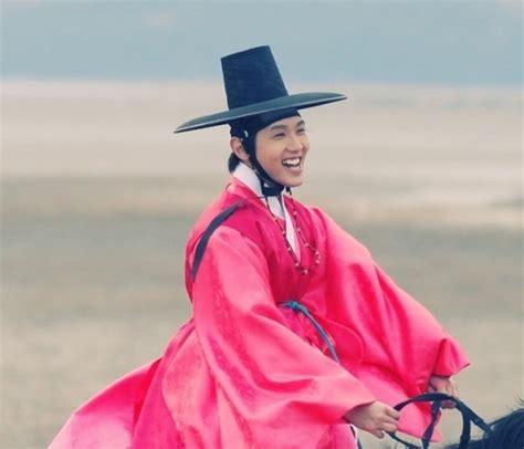 drakorindo queen in hyun s man queen in hyun s man episode 16 multi language subtitles