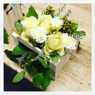 fiori in legno come utilizzare cassette della frutta per un matrimonio