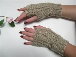Crochet lace fingerless gloves felt