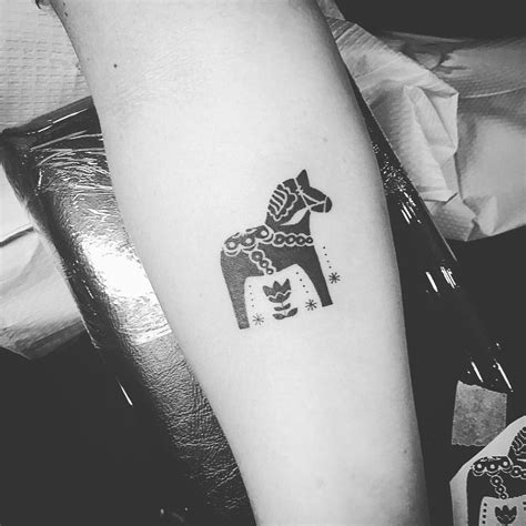 swedish tattoos designs dala scandinaviantattoo dalahorsetattoo