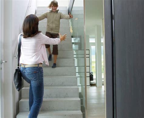 sichtbetontreppe innen betontreppe der puristische auftritt bauen de