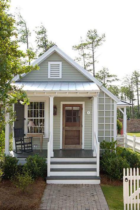 front cottage top 10 tips for your home look like a cottage