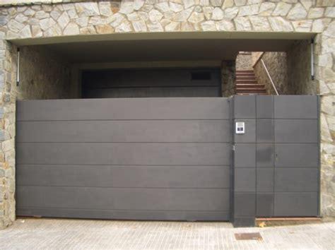 puertas de cochera baratas presupuesto forrar puertas en madrid habitissimo