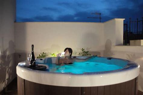hotel con vasca idromassaggio in sicilia terrazza con vasca foto di la nicchia san vito