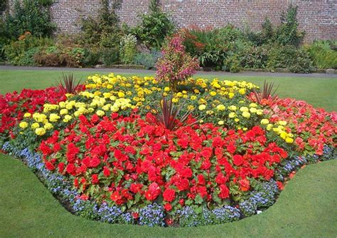flower bed ideas front of house 20 beautiful flower designs ideas pictures sheideas