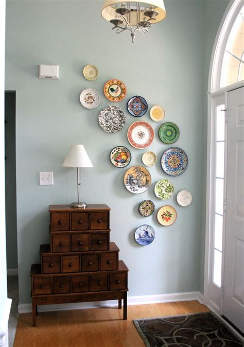 Decor Plates Wall by Diy Wall From Plates A Pop Of Pretty Canadian