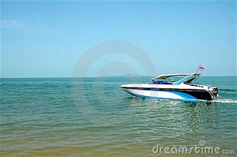 fast moving boats fast moving speed boat stock photography image 19999532