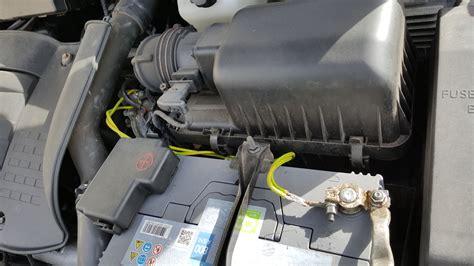 car wont start clicking noise lights flicker clicking noise from fuse box kia spectra wont start 51