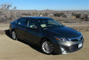 toyota avalon 0 60 2014 toyota avalon hybrid who is faster 0 60 mph