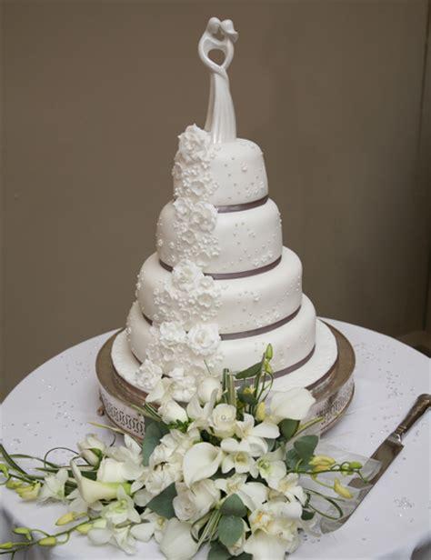 Wedding Cake Leeds by Wedding Cake Gallery