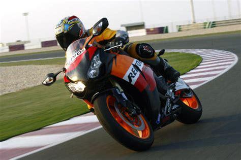 48 Ps Motorrad Große Fahrer by Honda Fireblade Mit Abs Im Test Motorrad Tests