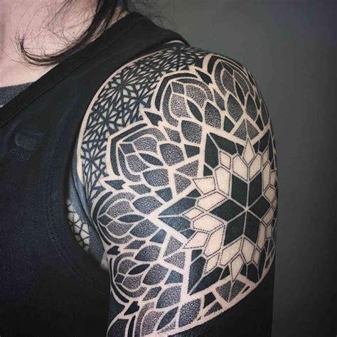 tattoo mandala hombro tattoos en el brazo disfruta de los mejores dise 241 os