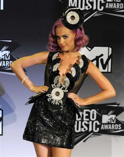 katy perry biography en francais katy perry at mtv video music awards girls idols