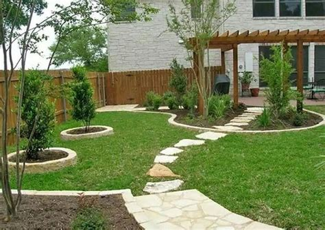 backyard patio landscaping ideas 1000 ideas about sloped front yard on front