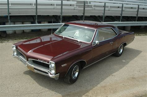 how does cars work 1966 pontiac lemans seat position control car of the week 1967 pontiac lemans sprint old cars weekly
