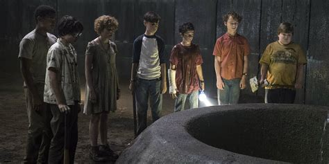 film jomblo 2017 cast it 2017 director reveals cut scenes screen rant