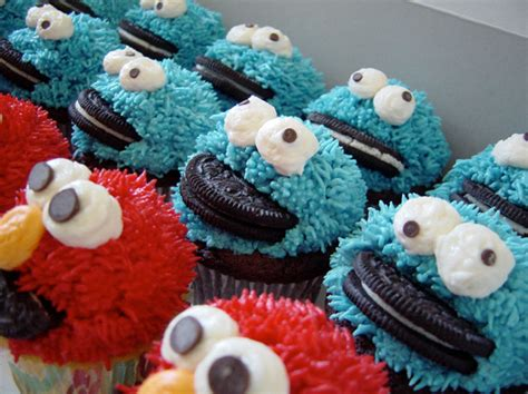 cupcake design cookie monster elmo cupcake jpg