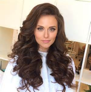 heavy formal hair styles 25 best ideas about prom hairstyles down on pinterest