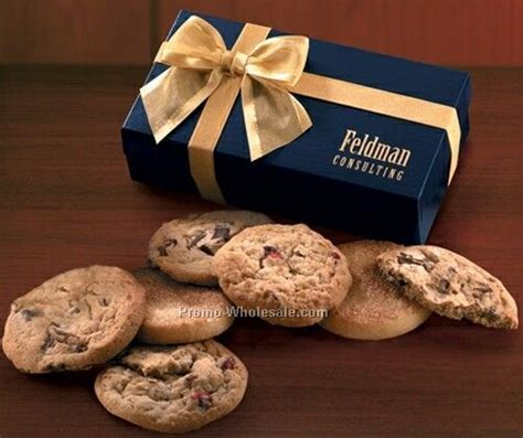 Cina Chocolate Chunk navy gift box w gourmet cookies wholesale china