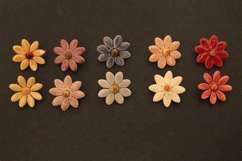 fiori di ceramica set di fiori in ceramica margherite