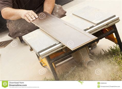 Cutting Formica Countertop Circular Saw by Contractor Using Circular Saw Cutting Of New Laminate
