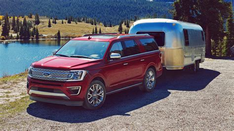 chevy tahoe vs ford expedition how does the 2018 ford expedition compare to the chevy tahoe