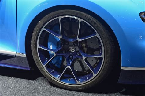 bugatti chiron wheels 1478 reasons to fall in love with the bugatti chiron the