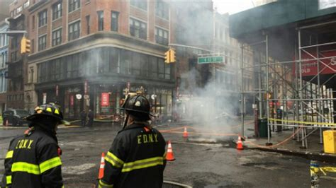 Pelangsing C N R manhole explodes fdny firetruck others in union square