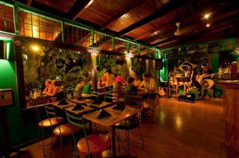 el patio de cafe milagro manuel antonio manuel antonio