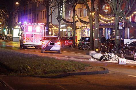 3 Motorradfahrer Verungl Ckt by Unfall Aachener Strasse Koeln 31122015 1