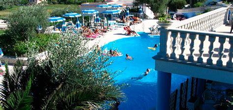 Appartamenti Vieste Sul Mare by Villaggio Turistico Sul Mare A Vieste Per Vacanze Sul