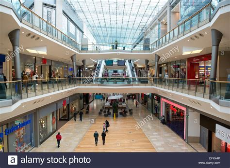 Cq Live Birmingham Hm Bullring Centre by An Of The Bullring Shopping Centre Mall