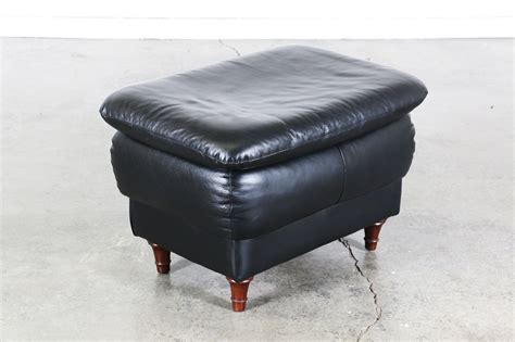 ottomane schwarz leder vintage black leather ottoman vintage supply store